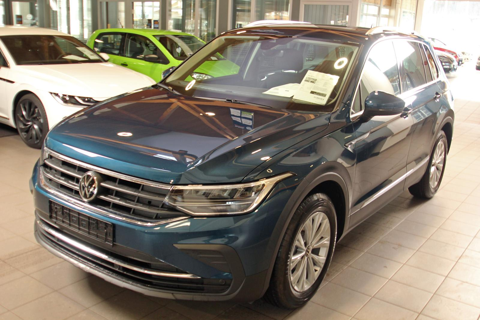VW Tiguan 1.5 TSI DSG ACT Life, AHK, | Tageszulassung ...